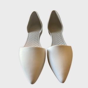 Native Shoes Audrey in Shell White Flats Size 11